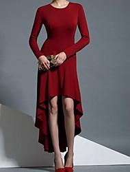 ronde asymétrique à manches longues robe des femmes