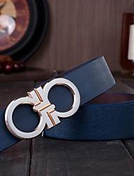 de los hombres el número 8 con la moda carta hebilla de cinturón de cuero liso