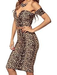 falda de leopardo salvaje de la mujer establece con una caída de fascinación superior del hombro (blusa& pantalones)