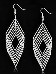 Boucles d'oreilles en losange multiniveaux simples et élégantes