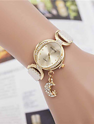 Wutongshu Women's Moon Pendant Rhinestone Watch