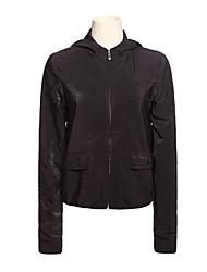 с капюшоном на молнии с длинным рукавом пальто черного