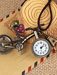 Unisex Vintage Bicycle-Shaped Round Dial Leather&Alloy Quartz Necklace /Keychain Watch Green Patina (1Pc) Cool Watches Unique Watches