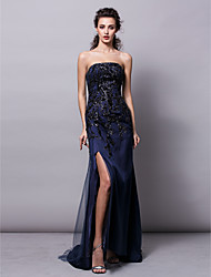 Formal Evening Dress - Dark Navy Plus Sizes / Petite Sheath/Column Strapless Sweep/Brush Train Tulle / Sequined
