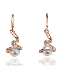 tutti i corrispondenti eleganti orecchini di perle Lora donne