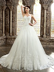 A-line Sweetheart Chapel Train Lace Wedding Dress with Appliques