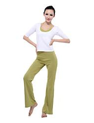 color de moda de la yoga encima del cuello y pantalones única media manga