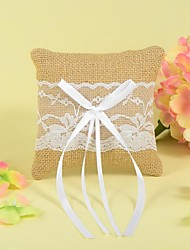Ring Pillow In Linen With Lace And Bow
