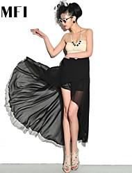 Color matching irregular skirt dress that wipe a bosom