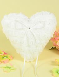 travesseiro anel de coração em cetim com projeto da rosa