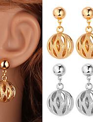 fantaisie nouvelle balle creuse Pendants d'oreilles en or 18 carats mignons bijoux en platine plaqué pour les femmes de haute qualité