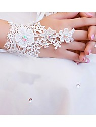 Wrist Length Fingerless Glove Lace Bridal Gloves / Party/ Evening Gloves Spring / Summer / Fall White / Ivory lace
