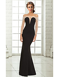 Formal Evening Dress - Black Plus Sizes / Petite Trumpet/Mermaid Off-the-shoulder Floor-length Chiffon