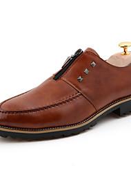 Zapatos de Hombre Boda/Oficina y Trabajo/Fiesta y Noche Cuero Sintético Oxfords Negro/Marrón/Rojo