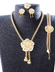 européens et américains de la mode rétro collier boucles d'oreilles bracelet jeux de bagues de femmes d'or