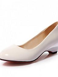 Zapatos de mujer Sintético Tacón Kitten Tacones/Pump Básico/Puntiagudos Pumps/Tacones Oficina y Trabajo/Vestido/Casual Negro/Blanco/Beige