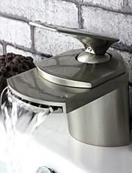 poignée simple Centerset un trou dans le nickel brossé lavabo robinet