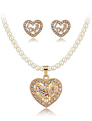 Hollow Out Heart Shape Love Pearl Necklace Set