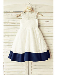 A-line Knee-length Flower Girl Dress - Lace / Satin Sleeveless Scoop with