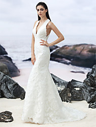 Lanting Bride® Trumpet / Mermaid Wedding Dress Sweep / Brush Train V-neck Lace with