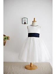 A-line Knee-length Flower Girl Dress - Satin Tulle Scoop with Bow(s) Sash / Ribbon