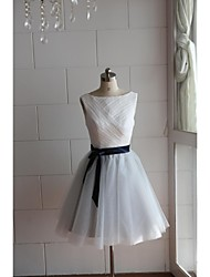 Knee-length Lace / Tulle Bridesmaid Dress A-line Bateau with Lace