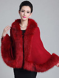 Wedding Faux Fur Capes Sleeveless Wedding  Wraps / Fur Coats / Hoods & Ponchos