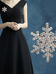 Diamond Snow Brooch (1pc)