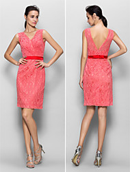Knee-length Lace Bridesmaid Dress Sheath / Column V-neck with Lace