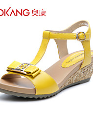 sandálias de couro das mulheres aokang® - 132823662