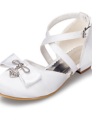 Girls' Shoes Outdoor / Casual Satin Flats Spring / Summer / Fall / Winter Round Toe Low Heel Bowknot / Buckle Ivory