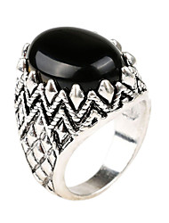 Retro domineering style oval onyx inlay alloy ring