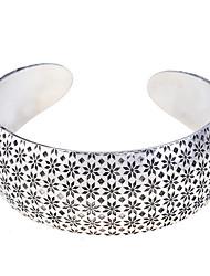Vintage Style 2.5Cm Flowers Pattern Cuff Bracelet