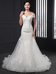 Sheath / Column Wedding Dress Chapel Train V-neck Lace with Appliques