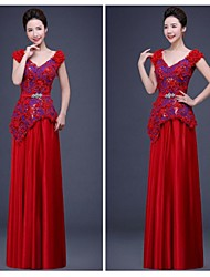 Formal Evening Dress - Ruby Ball Gown V-neck Floor-length Chiffon / Lace