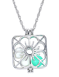 Square Hollow Luminous Flower Necklace