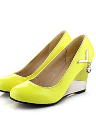 Women's Shoes Microfibre Wedge Heel Wedges / Heels / Round Toe Heels Office & Career / Casual Blue / Yellow / Pink