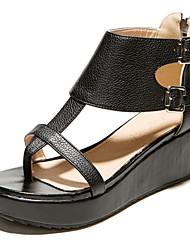 Черный / Белый-Женская обувь-Для праздника / На каждый день-Дерматин-На платформе-Босоножки / Обувь через палец-Сандалии