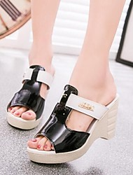 Women's Shoes Leatherette Wedge Heel Peep Toe / Flip Flops / Comfort Sandals Dress / Casual Black / Green / White