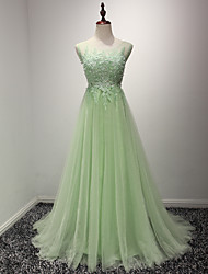 Formal Evening Dress A-line Scoop Court Train Lace / Tulle with Appliques / Lace / Pearl Detailing / Sequins