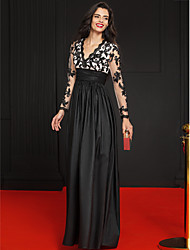 TS Couture® Formal Evening Dress - Celebrity Style A-line V-neck Floor-length Lace / Taffeta with Appliques
