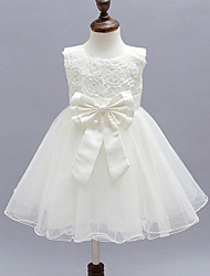2017 A-line Knee-length Flower Girl Dress - Organza / Satin Sleeveless Jewel with Bow(s) / Flower(s)