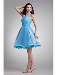 Cocktail Party Dress A-line V-neck Knee-length Organza with Beading / Pleats