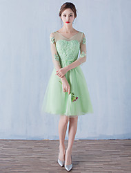 Cocktail Party Dress A-line V-neck Knee-length Tulle with Appliques