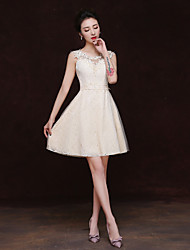 Short / Mini Lace Bridesmaid Dress - Sheath / Column Scoop with Appliques