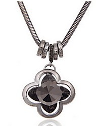Exquisite Crystal Black Clover Pendant Necklace Jewelry for Lady