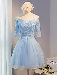 Corta / Mini Encaje Vestido de Dama de Honor Corte en A Hombros al Aire con Encaje / Cinta / Lazo