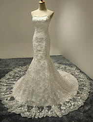 Trumpet / Mermaid Wedding Dress Floral Lace Court Train Sweetheart Lace Satin Tulle with Lace Ruffle