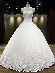Princess Wedding Dress Floor-length Strapless Tulle with Beading / Lace