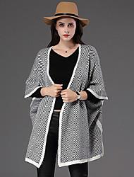 Damen Lang Mantel / Capes-Lässig/Alltäglich Street Schick Gestreift Grau V-Ausschnitt ¾-Arm Baumwolle Winter Dick Mikro-elastisch